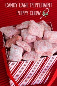 Candy Cane Peppermint Puppy Chow - Such a cure Christmas git - #chexmix