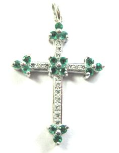 Very Nice 14K SOLID WHITE GOLD EMERALD & DIAMOND CROSS Pendant #Pendant Cross Necklaces, Cross Jewelry, Jewelry Tree, Jewelry Christmas Tree, Diamond Cross, Emerald Diamond, Cross Pendant, Belly Button Rings, Jewelery
