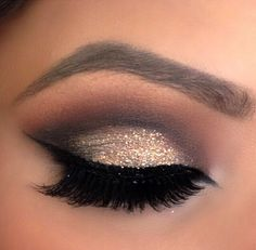 This smokey eye is topped woth glitter to top it off!
