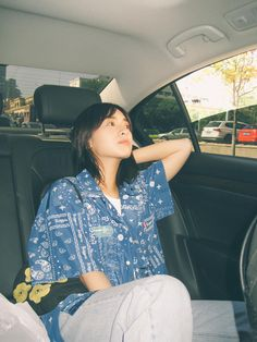 Chinese Actress, Healthy Beauty, Ruffle Blouse, Actresses, Beautiful, Women, Garden, Girls, Fashion