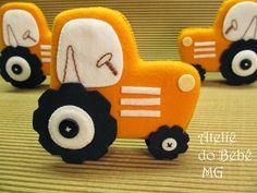 Ateliê do Bebê MG: Mini Tratores Enfeites ( Henzo)