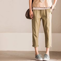 Green fitting linen trousers