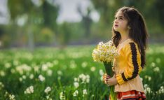 Hotel Bee - Travel tips and Travel Guides Archer Queen, Children Photography, Nature Photography, Narcissus Flower, Iran Travel, Local Tour, Flowers For You, Travel Agency, Beautiful Children