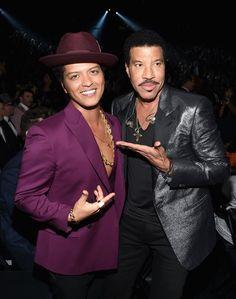 Pin for Later: Tout Ce Qu'il S'est Passé en Coulisses Lors des Grammy Awards Lionel Richie et Bruno Mars