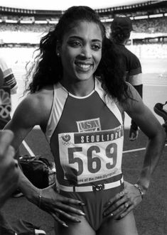 Florence Delorez Griffith Joyner, also known as Flo-Jo, was an American track and field athlete. She is considered the fastest woman of all timebased on the fact that the world records she set in Flo Jo, Gail Devers, Olympic Sports, Sport Icon, Black African American, Female Athletes, Women Athletes, Culture, Iconic Women