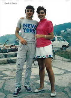 Mozo e moza posando. Cedida por Ezaro.com