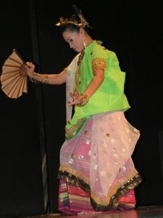 welcoming dance from Sulawesi