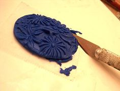 tips on using molds and much more. Video and illustrated step by step tutorials.