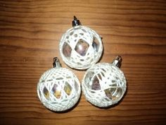 Crochet Covered Christmas Ball Ornaments | LUUUX Crochet Ornaments, Christmas Crochet Patterns, Crochet Christmas, Ball Ornaments, Christmas Globes, Christmas Balls, Christmas Holidays, Christmas Ornaments, Christmas Door Decorations