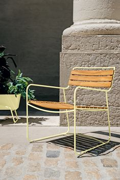 Fermob USA modern colorful outdoor furniture, lighting and accessories. Outdoor Spaces, Outdoor Chairs, Outdoor Ideas, Outdoor Decor, Contemporary Outdoor Furniture, Steel Rod, Garden Spaces, Foot Rest, Teak