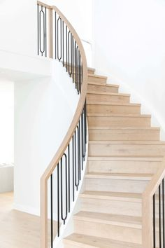 House Staircase, Staircase Remodel, Staircase Railings, Curved Staircase, Staircases, Bannister, Oak Stairs, Entry Stairs, Stair Railing Design