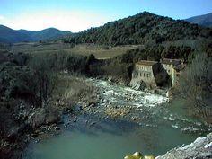 L'Orb est un petit fleuve de 135 km qui prend sa source à Roqueredonde, à la limite de l'Aveyron, dans le Parc Naturel du Haut Languedoc et se jette dans la Grande Bleue à Valras.  Le cours d'eau sillonne l'arrière-pays Biterrois dans des paysages magnifiques où les villages s'accrochent à flanc de montagne.
