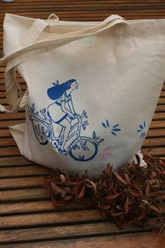 Tote bag bike! By Anna Grimal  on https://www.etsy.com/people/annagrimal?ref=si_pr