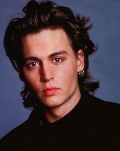 Johnny Depp - omg this brings me back 20 yrs - loved him so! Johnny Depp Fans, Young Johnny Depp, Orlando Bloom, Benny And Joon, Johnny Movie, 21 Jump Street, Johny Depp, Celebrity Dads, Pretty People
