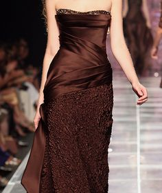 Tony Ward, fall 2008 couture. Sumptuous brown colour.