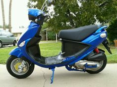 Genuine Scooter Co. Buddy 125! Just got a BLUE Makeover! 96mpg, 69mph- 100%Fun!
