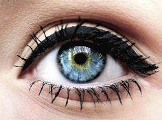 blue eyes- makeup