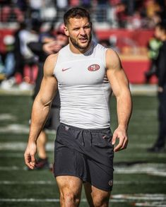 American Football Players, Rugby Players, Rugby Men, Muscular Men, Sport Man, Attractive Men, Bearded Men, Gorgeous Men, Volleyball