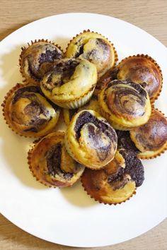 Low Carb und trotzdem Kuchen essen? Klar geht das. Wir wärs mit meinem leckeren Marmorkuchen-Rezept … oder heute mal Marmor-Muffins 🙂. Low Carb, Breakfast, Food, Bakken, Food Food, Recipies, Morning Coffee, Essen, Meals