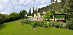 Villa le Capanne is a private villa with pool and jacuzzi #tuscanyholiday #centopino #villaswithpool #luxury #tuscany