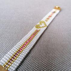 Loom Bracelet Patterns, Bead Loom Bracelets, Bead Loom Patterns, Beaded Jewelry Patterns, Bracelet Crafts, Beading Patterns, Friendship Bracelets Designs, Bracelet Designs, Bead Loom Designs
