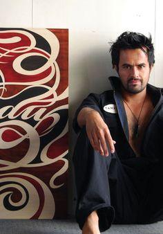 Shane Hansen - strong clean lines Maori Designs, New Zealand Art, Nz Art, Tribal People, Maori Art, Kiwiana, Africa Art, All Blacks, Clever Design