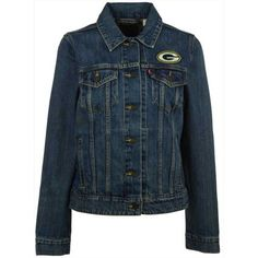 Levi's Women's Green Bay Packers Denim Trucker Jacket ($108) ❤ liked on Polyvore featuring outerwear, jackets, denim, green bay packers jacket, nfl jackets, levi jacket, blue jackets and denim jacket