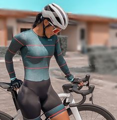 Bicycle Women, Bicycle Girl, Female Cyclist, Cycling Girls, Cycle Chic, Lady Biker, Cycling Outfit, Fit Chicks, Athletic Women