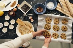 Want to take your baking up a nutritional notch? Try this simple healthy baking hack: Add beets, zucchini, and other veggies to your desserts. Healthy Breakfast On The Go, Healthy Snacks For Kids, Healthy Baking, Healthy Cookies, Healthy Treats, Healthy Desserts, Healthy Eating Schedule, Breakfast Crockpot Recipes, Baking Tips