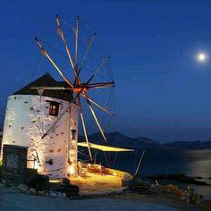 Greek Windmill Tavern - Koufonisi Island, Greece