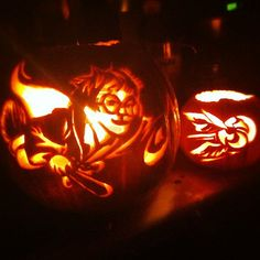 Harry Potter --- Literary Pumpkins For A Bookish Halloween -- (Designed and Carved by Dorothy Phillips) Halloween 2015, Halloween Horror, Halloween Party Decor, Halloween Design, Holidays Halloween, Harry Potter Halloween, Harry Potter Pumpkin Carving, Pumpking Carving, Harry Potter Games