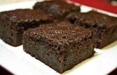 Bolo de chocolate (e um ingrediente secreto) | Com maça ralada, aveia e iogurte. Sem farinha.