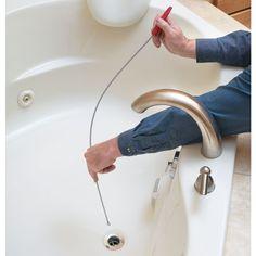 Ursachen für eine defekte Badewanne Probleme mit der Badewanne treten häufig aufgrund des Einstellreglers für den Wasserabfluss zusammen, da dieser Verschleiß ausgesetzt ist. Wenn die Badewanne nicht mehr richtig abfließt, können Sie folgende Sachen durchführen: -- Abflussieb reinigen -- Einstellschraube nachjustieren -- Kalkablagerungen entfernen Bathtub Drain, Sink Drain, Drain Repair, Enzyme Cleaner, Commercial Cleaners, Metal Pipe, Bathroom Cleaning, Plumbing, Pipes