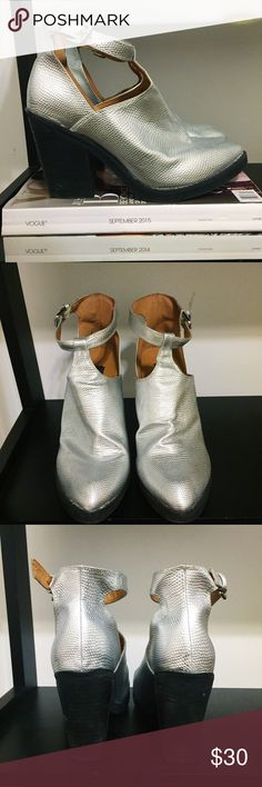 Deena & Ozzy Silver Scale Ankle Boots - SIZE 8 Every time I stepped out in these shoes I got asked about them. They are definite showstoppers. Plus, they're comfortable and in great condition. What're you waiting for? Deena & Ozzy Shoes Ankle Boots & Booties