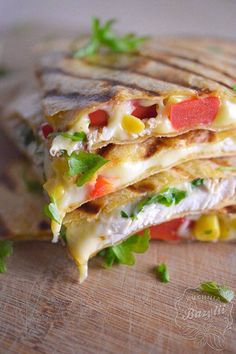 quesadilla przepis results - ImageSearch Healthy Weeknight Meals, Healthy Family Meals, Healthy Dinner Recipes, Vegetable Prep, Mexico Food, Gourmet Recipes, Food Print, Food And Drink, Stuffed Peppers