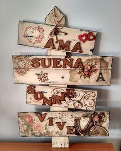 Amamos el estilo vintage ¡Animate a pedir el tuyo! 😍 . . . . . . . . . . #arte #decoracioninteriores #hogar #artedeko #mariposas… Decoupage Vintage, Craft Projects, Projects To Try, Diy And Crafts, Arts And Crafts, Diy Y Manualidades, Country Paintings, Dollar Store Crafts, Painting On Wood