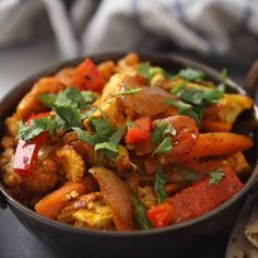 When the craving for restaurant style vegetable jalfrezi strikes, this is the recipe to turn to! And not only that, this mildly spiced but tasty curry is a great way to pack fresh or frozen veggies. Spicy Recipes, Curry Recipes, Vegetarian Recipes, Cooking Recipes, Paneer Recipes, Cooking Tips, Vegetable Jalfrezi, Indian Veg Recipes, Indian Snacks