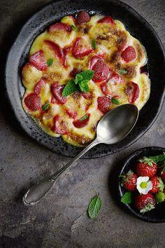 Gratin de fraises au sabayon - recette facile | Strawberries gratin with zabaglione - easy recipe