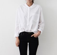#beauty #style #fashion #woman #clothes #outfit #wearable #casual #look #spring #white #shirt #black #pants