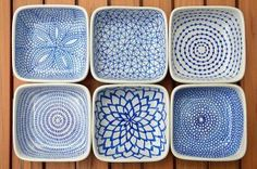 DIY hand-painted ceramic tealight holders // Draw patterns on the ceramic dishes with a Pebeo Porcelaine 150 Paint Pen (this color = Lapis), allow them to dry for 24 hours, then bake them in the oven to set the ink. Pottery Painting, Ceramic Painting, Ceramic Art, Sharpie Plates, Sharpie Art, Sharpies, Pebeo Porcelaine 150, Porcelain Pens, Fine Porcelain