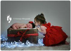 Children Christmas Picture Newborn Pics, Newborn Pictures, Baby Pictures, Baby Photos, Family Photos, Tattoo Photography, Heart Photography, Christmas Photography, Photography Ideas