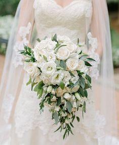 Pretty white wedding bouquet #whitebouquet