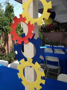 Sprockets could be painted silver/gold robot parts 5th Birthday Party Ideas, Birthday Fun, Birthday Decorations, Transformer Party, Rescue Bots Birthday, Transformers Birthday Parties, Festa Party, Party Time, Robot Theme
