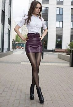Pantyhose Outfits, Nylons And Pantyhose, Sexy Blouse, Blouse And Skirt, Women With Beautiful Legs, Cuadros Star Wars, Black Boots Outfit, Sexy Legs And Heels, Sexy Skirt