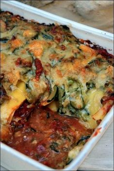 Zucchini, tomato and goat cheese lasagna ~ Happy taste Lasagnes aux courgettes, tomates et chèvre ~ Happy papilles Zucchini, tomato and goat cheese lasagna ~ Happy taste buds - Healthy Dinner Recipes, Vegetarian Recipes, Eat Better, Cheese Lasagna, Quinoa, Batch Cooking, Vegetable Dishes, Goat Cheese, Vegetable Recipes
