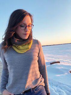 Knit cowl, knit scarf Knit Cowl, Knitwear, Take That, Turtle Neck, Patterns, Knitting, Sweaters, How To Wear, Fashion