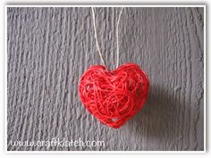 Craft Klatch: Valentine's Day String Heart Craft Tutorial. Embroidery floss, liquid starch, and a candy mold or shaped ice cube tray.  Easy!