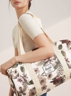 Herschel Supply SUTTON DUFFLE | Aritzia