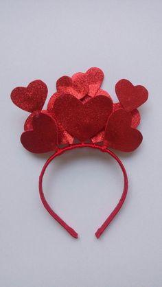 Valentine Hats, Nerdy Valentines, Valentine Theme, Valentine Crafts For Kids, Valentines Day Decorations, Homemade Headbands, Fantasy Party, Fantasias Halloween, Last Minute Costumes