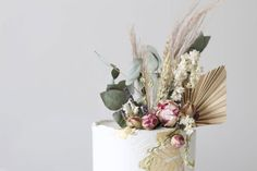 1st Birthday Cake Topper, 30th Birthday, Dried Flower Arrangements, Dried Flowers, Cool Cake Designs, Cake Images, Celebration Cakes, Celebrity Weddings, Earth Tones